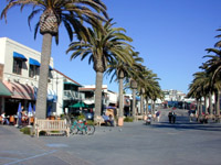 Redondo Beach,vacation shopping, Los Angeles restaurants, California tourism and California beach travel